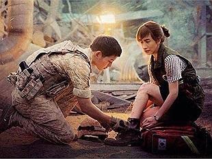 Trong lễ cưới của cặp đôi Song-Song, Lee Kwang Soo vẫn cố gắng nhắn nhủ lời cuối với Song Hye Kyo: Song Joong Ki của em nhờ vào chị
